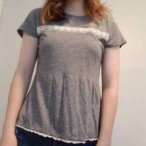 abercrombie grey top w/ flower embroidery